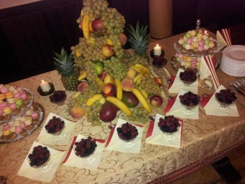 7afead57c82e07aa4c99f15de68a528e bufet de fructe